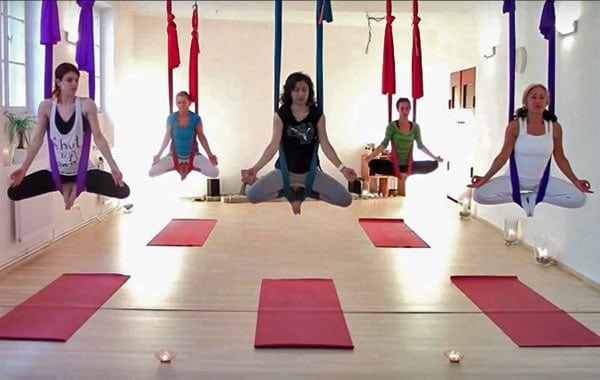 Best 13 Types of Yoga For Beginner Aerial Yoga